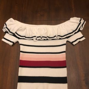 Forever 21 Tops - Forever21 Off-the-Shoulder Sweater-Knit top Size S
